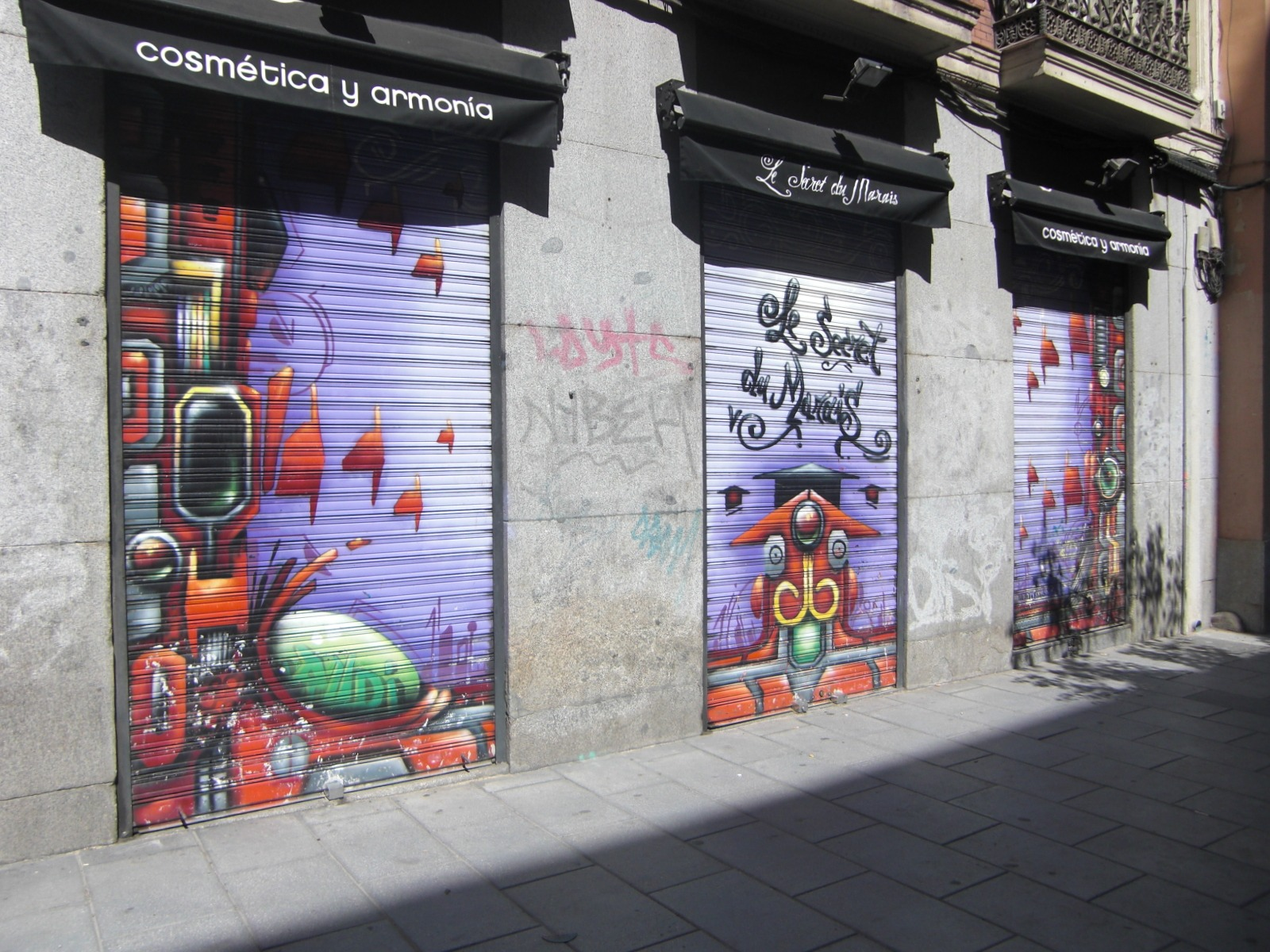 Shop Front Or Instore Graffiti Artwork Streets United