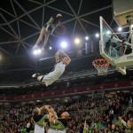 Basketball dunking show