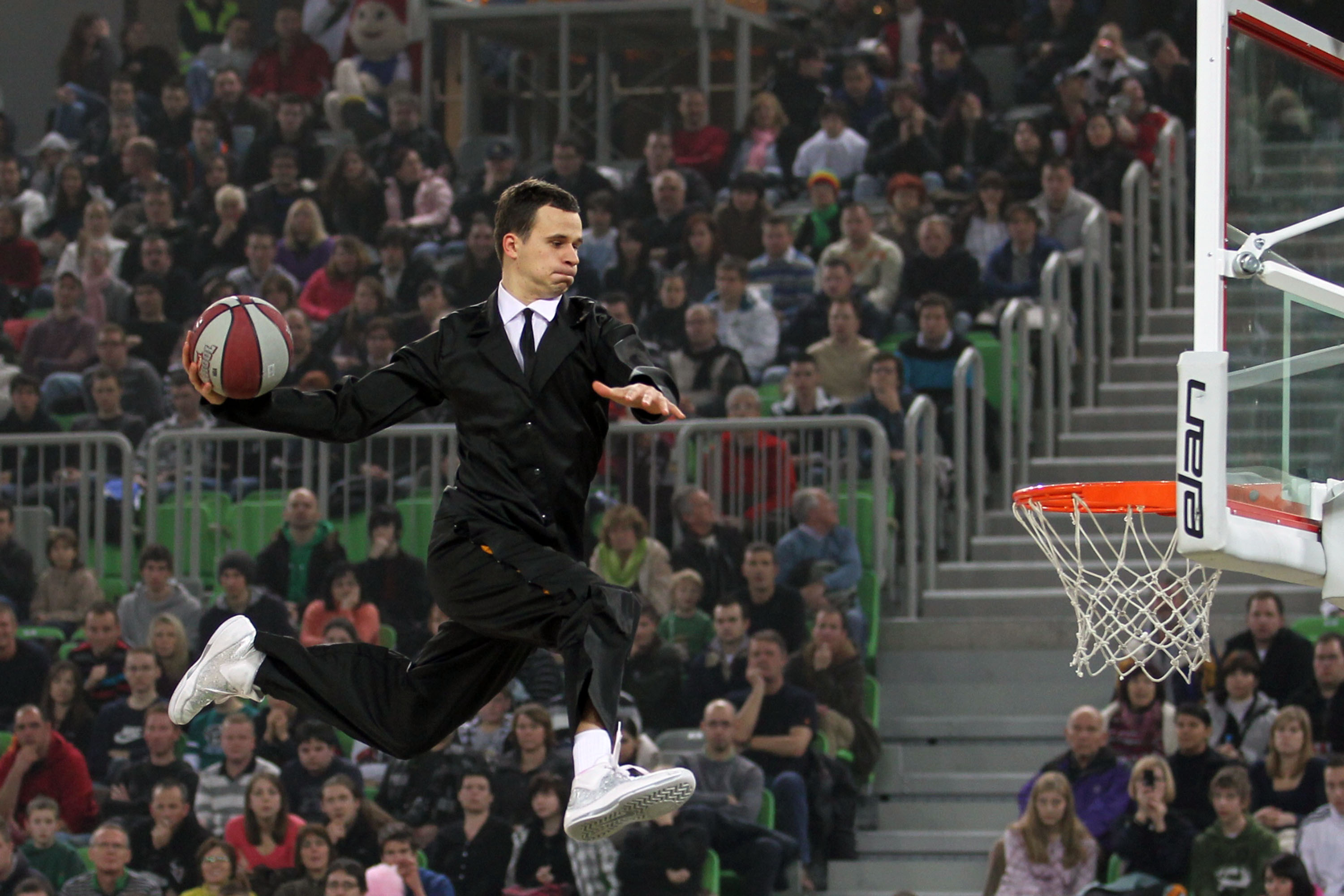 Basketball Dunk Spectacular