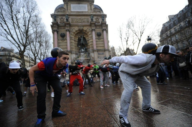 Choreographed sports flash mobs