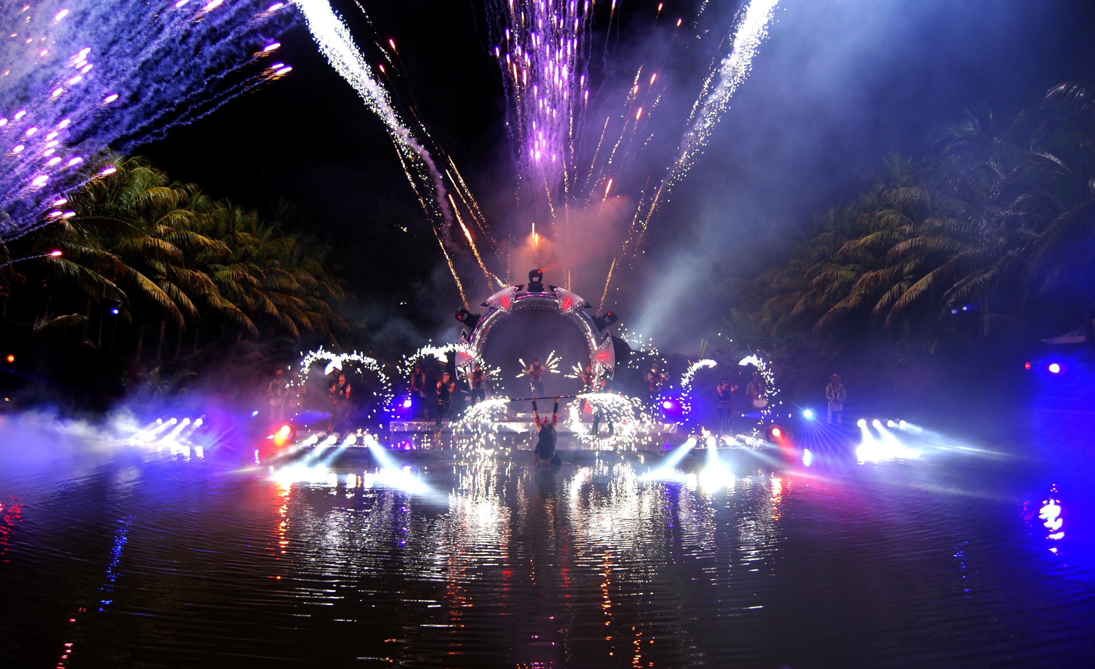 Laser Light Stage Show - Streets United