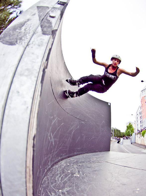 Girl Street skater