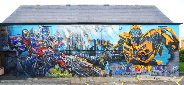 Graffiti mural entertainer