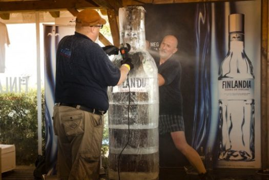 Ice Sculpting artists at events