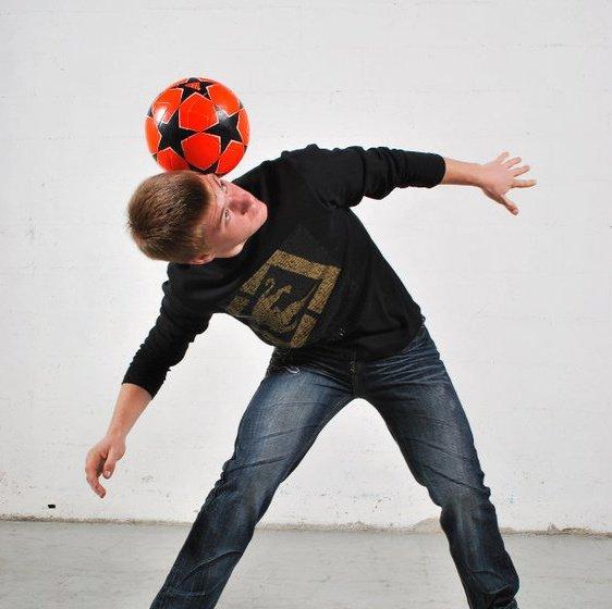 UK Freestyle Football Entertainer