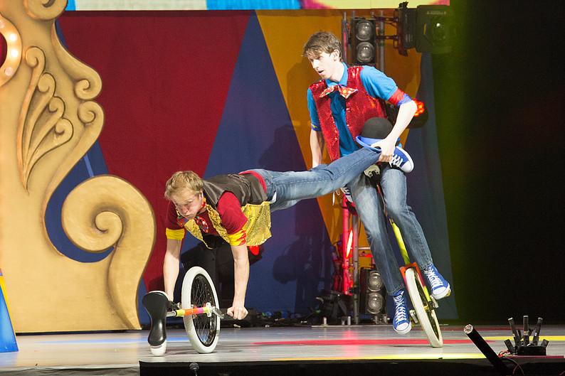 Juggliing Unicycle Entertainment