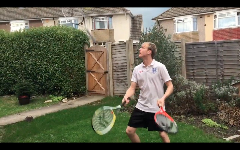 Juggling Tennis Enterainer