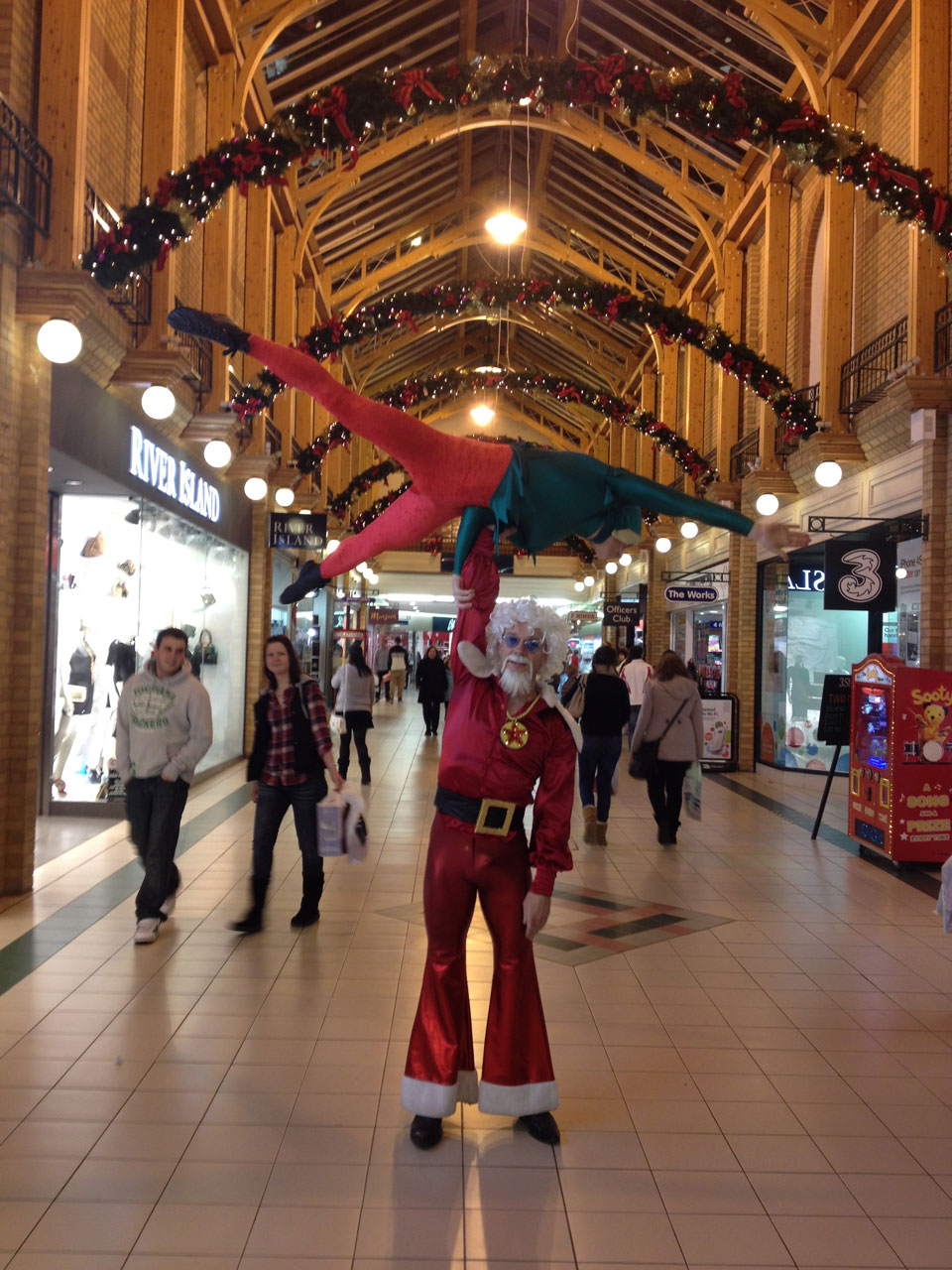 Acrobatic entertainers - Christmas