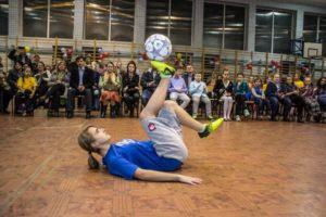 Female Football Freestyler - Kids parties
