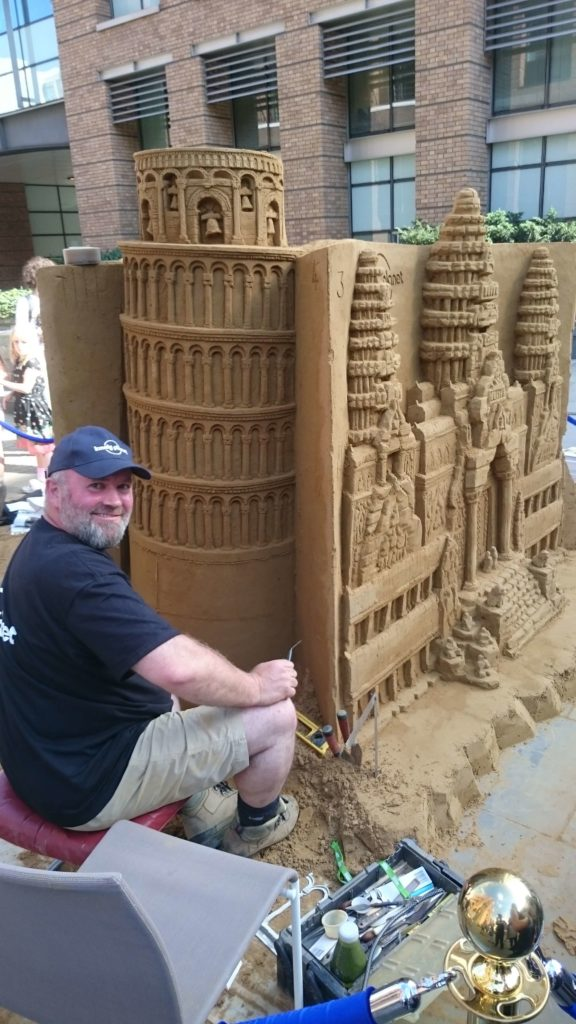 Sand Sculpture Entertainer