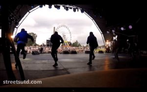 Stage Entertainers For Summer Festivals