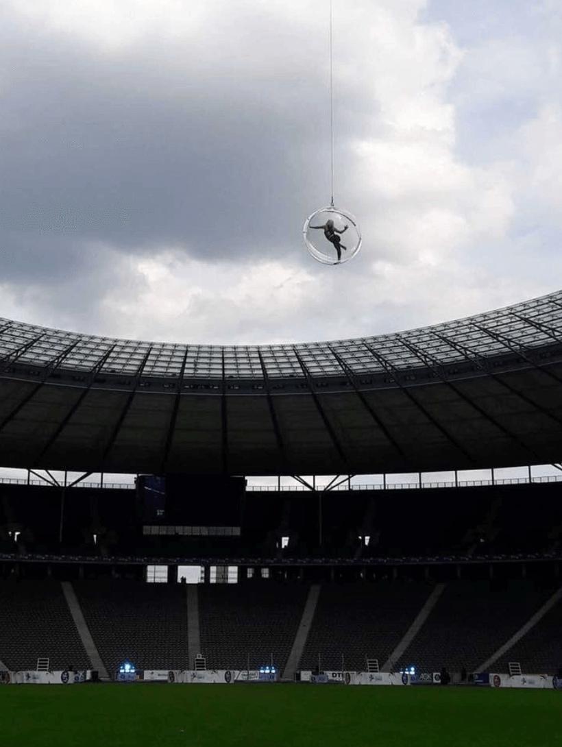 Concert Stadium Acrobatic Entertainers
