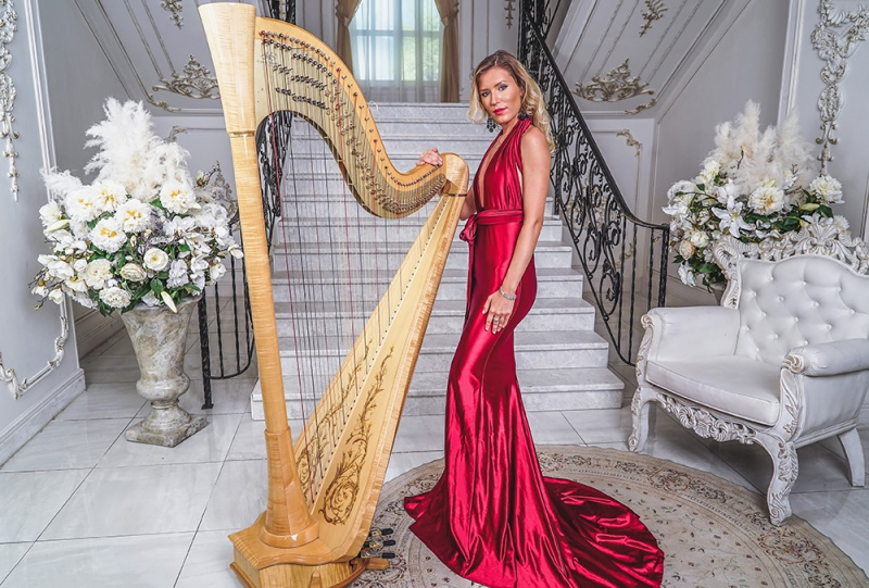 Harp entertainer professional for events worldwide