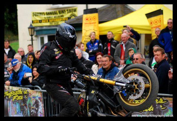 Brothers stunt bike show