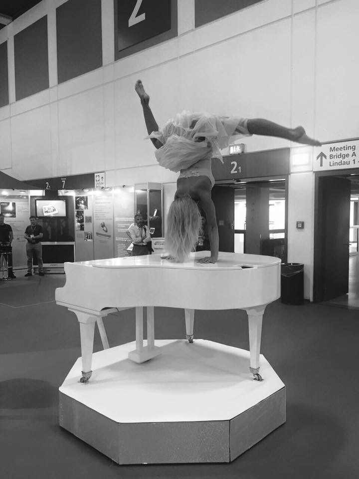 Piano Acrobatic Player for EVENTS