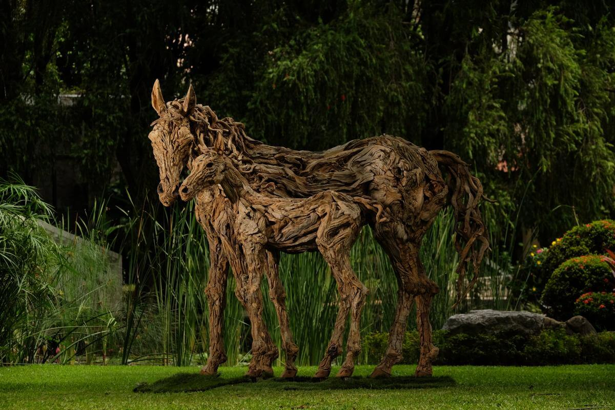 wooden horse sculptures for homes