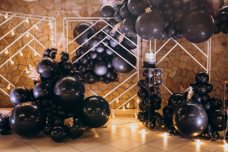 BALLOON decoration specialist for CORPORATE events in Doha Qatar