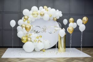 Balloon decorator for staff party events in LONDON