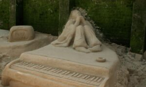 Sand Sculpture artists for Shopping mall events in the MIDDLE EAST