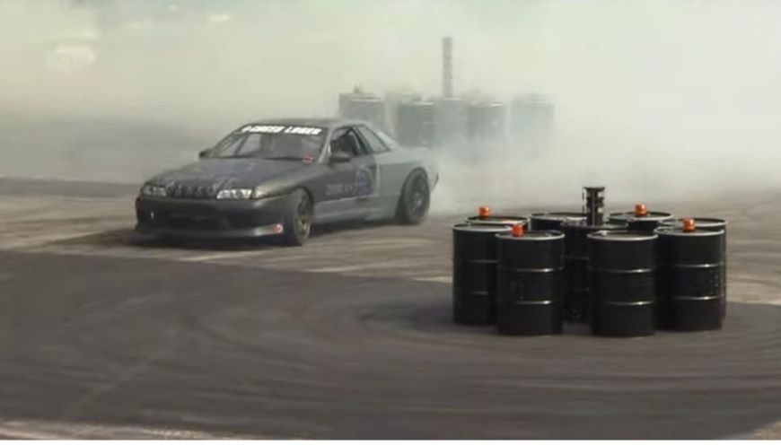 Stunt drivers for Electric CAR launch shows