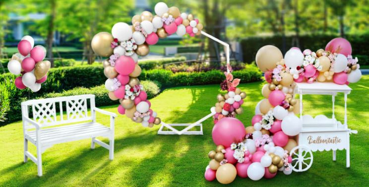 Balloon decorations for sports events